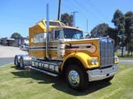 1984 Kenworth W900