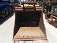Custom Mud Bucket Cat 25/30 ton