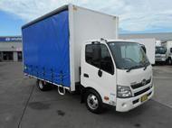 Used 2013 Hino 300-7