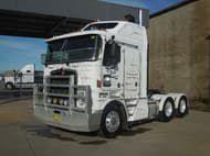 2004 Kenworth K104