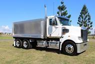 2015 Freightliner Coronado 114,