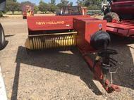 New Holland 570 SMALL SQUARE BA
