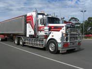 2011 Kenworth T909