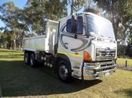 Used 2009 Hino 700 S