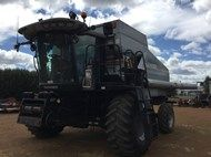 Used Gleaner R75 in