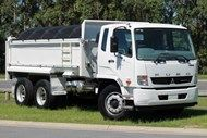 2014 Fuso Fighter 2427 FIGHTER