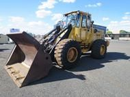 Used Volvo L90 4WD W