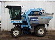 1998 New Holland Braud SB64