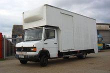 1990 709D