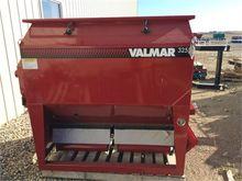 Used 2016 VALMAR 325