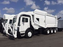2006 Mack MR688 Front Loader