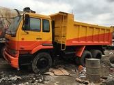 Used NISSAN dump tru
