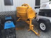 2016 Steel diesel concrete mixe
