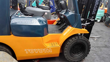 Used Toyota 7FD25 forklift with