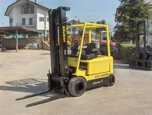 Used 1999 HYSTER J2.