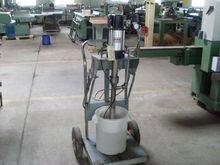 Pompe à silicone / mastic  ARO