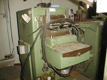 machine pour entaille tiroir, t
