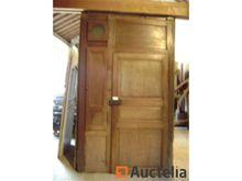Oak woodwork 3 doors with clock