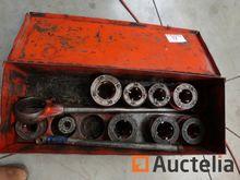 Ridgid manual pipe threader and