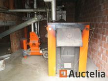 Wood-fired boiler with automati