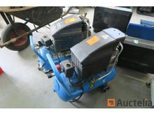 2 Airpress compressors (1 defec