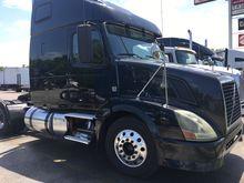 2011 Volvo VNL64T670 0357675