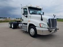 2013 Freightliner CA12564DC 036
