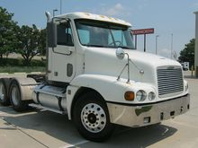 2004 Freightliner FCL12064ST 03