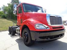 2005 Freightliner FCL12064ST 03