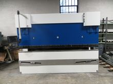 2001 Trumpf Hydraulic CNC Press