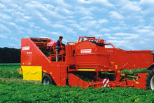 2002 potato harvester GRIMME SE