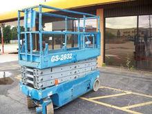 Used 2005 GENIE GS 2