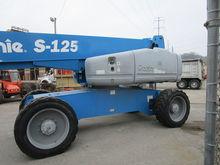 2012 GENIE S-125