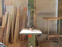 1980 900 Band sawing machine