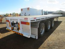 2012 BARKER EXTENDABLE TRAILER