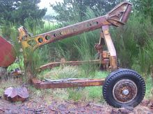 HYSTER TOWING LOG ARCH