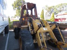 CATERPILLAR RUBBER TYRED LOADER