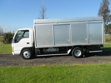 2002 ISUZU ELF NKR BOTTLE/SERVI