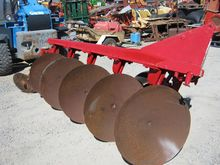 IHC 5 DISC PLOUGH