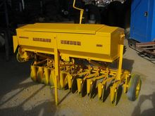 CONNOR SHEA 10 ROW DISC SEEDER