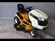 CUB CADET LTX1042 RIDE ON MOWER