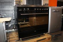 1 kitchen center SMEG SQUADRATA
