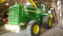 7300 Forage Harvester