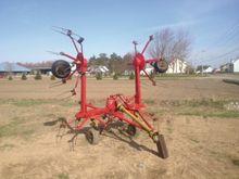 Hesston 3760 Hay Equipment