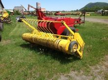 New Holland 7 'Windrow Picker