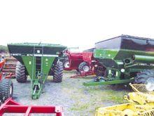 Used grain cart in C