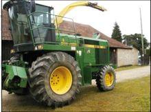 John Deere 6910 Forage Harveste