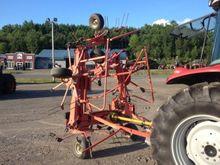 Kuhn GF 7802 THA Hay Equipment