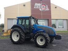 2009 Valtra T121 Tractor