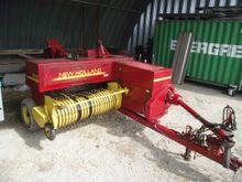 New Holland 570 Baling press